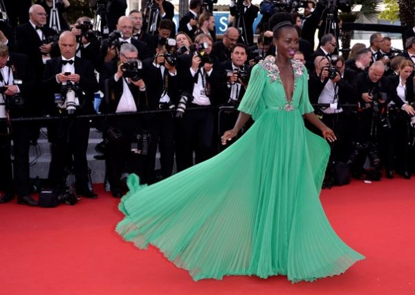 Lupita-Nyongo-Wows-In-Grasshopper-Green-At-Cannes-2015-Photo